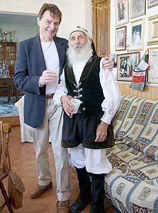 בן הילס וישיש מאושר בסרדיניה. עכשיו מנסים לשחזר את הנוסחה בארצות הברית