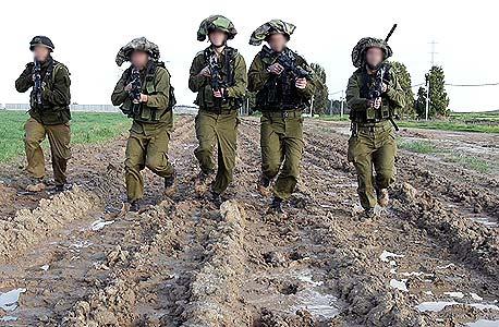 חיילים בסדיר
