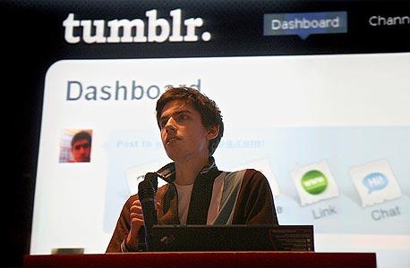 """מייסד ומנכ""""ל טאמבלר, דיוויד קארפ. מאייר רוצה שישאר בחברה"""