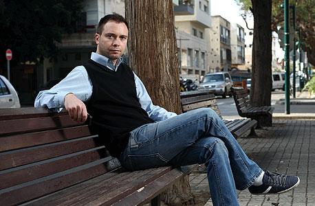 דני לוי (34), יחצן, גר לבד בפנטהאוז בלב תל אביב