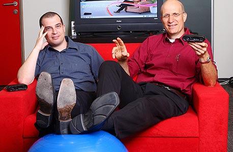 """אביעד מייזלס (משמאל), נשיא ומייסד פריימסנס, וינון ברכה, מנכ""""ל החברה"""