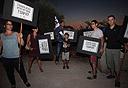 הפגנה של עובדי ערוץ 10 מול ביתו של משה כחלון