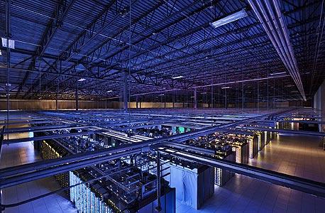 """חוות שרתים של גוגל. האם לממשלת ארה""""ב יש גישה חופשית?"""