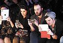 צעירים באיסטנבול. צמיחה של שוק הסמארטפונים באירופה