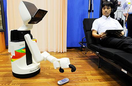 מחליף אחיות בית חולים. רובוט HRS של טויוטה