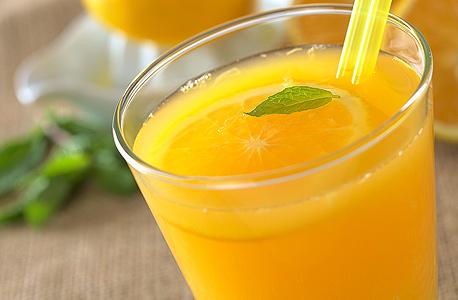 מיץ פירות. בפרי יש יותר סידן