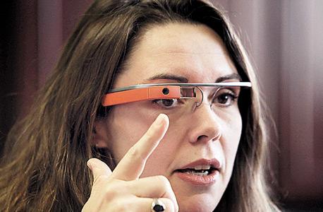 מוסף שבועי 19.12.13 משקפי גוגל, צילום: אם סי טי