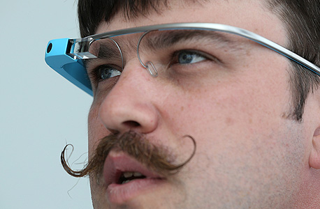 מהנדס גוגל עם ה משקפיים החכמים, צילום: איי אף פי