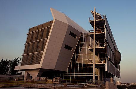 """בניין פורטר, מבט מדרום־מערב. """"אין סיבה לא לבנות ככה הכל"""", אומר האדריכל יאשה גרובמן"""