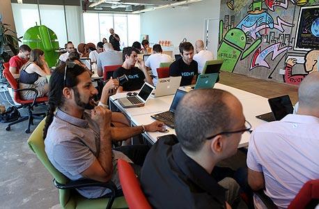 מוסף חברות נחשקות 27.5.14 משרדי גוגל תל אביב, צילום: עמית שעל