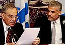 שר האוצר לפיד ופרופ' ששינסקי, צילום: בשמת איבי