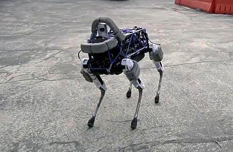 רובוט בוסטון דיינמיקס  ספוט גוגל רובוטים , צילום מסך:Youtube