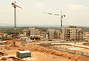 אתר בנייה בחריש, צילום: אלעד גרשגורן