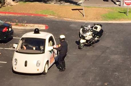 מכונית ללא נהג גוגל שוטר, צילום: גוגל