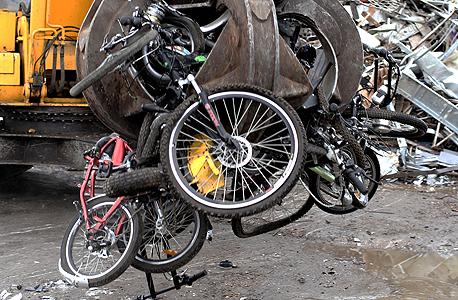 השמדת אופניים חשמליים לא חוקיים