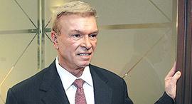 """ג'ין פיליפס בעל השליטה בחברת הנדל""""ן האמריקאית TCI"""
