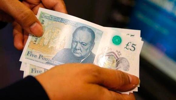 """שטר של 5 ליש""""ט, צילום: איי פי"""