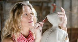 פנאי פרסומאית אמנית פסלת חן זיו ב עבודה, צילום: זוהר רון