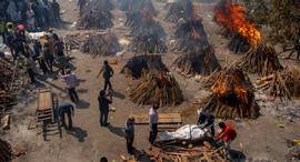 פוטו קורונה הודו שריפת גופות , צילום: איי פי