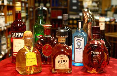 שיעור המס לא נקבע בגלל הסכמים, הוא נקבע כדי להגדיל את ההכנסות של המדינה. הוא הוטל על המשקאות הזולים, כי הם מהווים %57 מכלל הצריכה בישראל, צילום: אוראל כהן