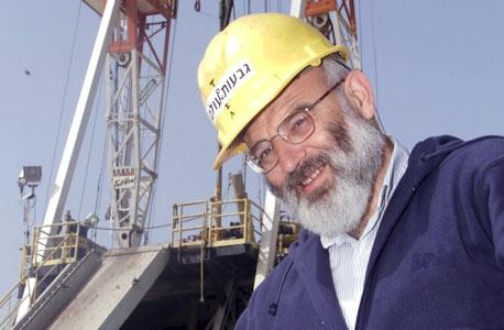 טוביה לוסקין, הגיאולוג הראשי של גבעות עולם בשדה מגד הסמוך לראש העין