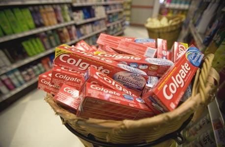 משחת שיניים קולגייט בסופרמרקט בניו יורק