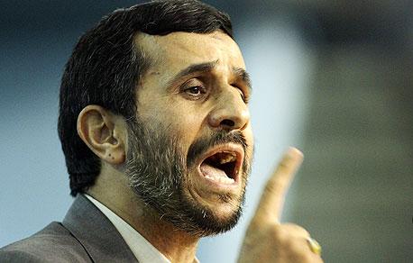 """על איראן: """"מערכת היחסים בין צ'אבס לאחמדינג'אד אינה כשרה. אני לא מבין מה שתי המדינות הללו מצאו במשותף מלבד נפט"""""""