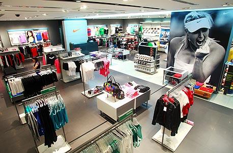 נייקי מרחיבה את האסטרטגיה של פתיחת חנויות ללא זכיינים