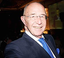תקציר מנהלים: אלכס גלעדי
