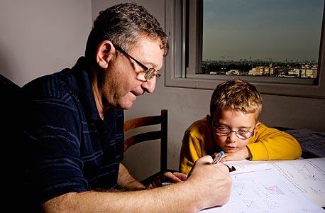 """ולדימיר ויואב בן החמש. """"בארץ לומדים מתמטיקה כמו שלומדים אנגלית ברוסיה: לומדים שנים ועדיין לא יודעים לדבר"""""""