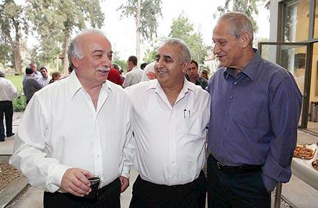 מימין: משה מורג, רמזי גבאי ואליעזר פישמן