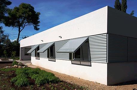 בית בכפר יהושע בתכנון רונית ברקול ולוסיאנו סנטנדראו