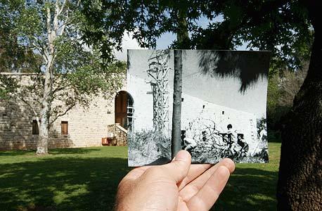 1951, בית אוסישקין, קיבוץ דן. בנייתו של מוזיאון, צילום: עמית שעל