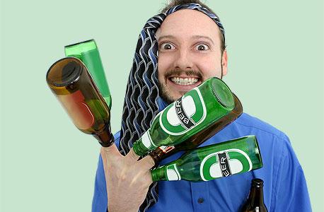 אם שותים, לא משתפים, צילום: shutterstock