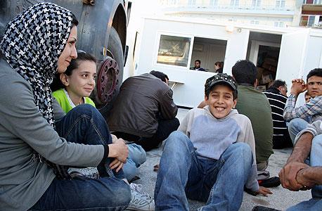 """פליטים בלסבוס. """"ביוון אין עבודה, המצב נורא"""""""