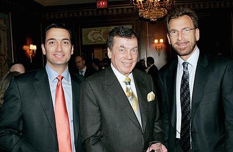 אדגר ג'וניור (מימין) עם אביו אדגר סניור ואחיו מתיו