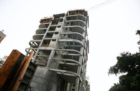 המגדל בפרישמן-דיזנגוף