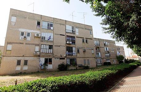 דירות ותיקות באשקלון. מחירי הדירות עלו בכל העיר, צילום: צפריר אביוב
