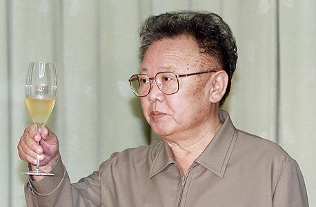 קים ג'ונג איל, מנהיג צפון קוריאה. אינסוף כוח נהפך לאינסוף טירוף