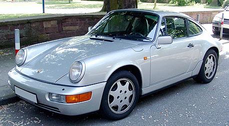 פורשה 964. המכונית היחידה שתלמר תכנן בסדנאות הממוחשבות של החברה