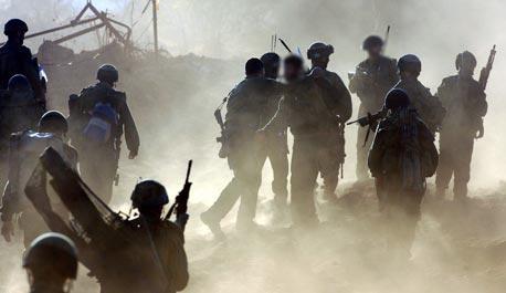 חיילים בתרגיל. השכר למילואמניקים יעלה