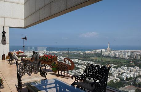 הנוף ממרפסת הבית