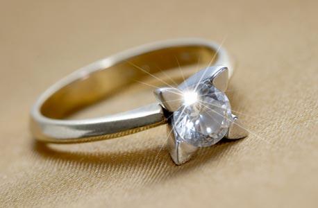איך לקנות טבעת אירוסים