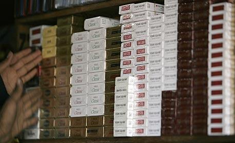 סיגריות. השניים חשודים בהשתמטות מתשלום מסי יבוא, האחד בגובה 30 אלף שקל ואילו החשוד השני ב-41 אלף שקל