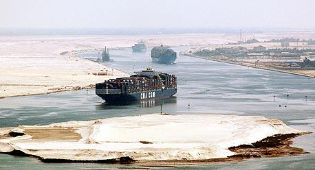 ספינה איראנית ועליה נפט סורי נעצרה בתעלת סואץ