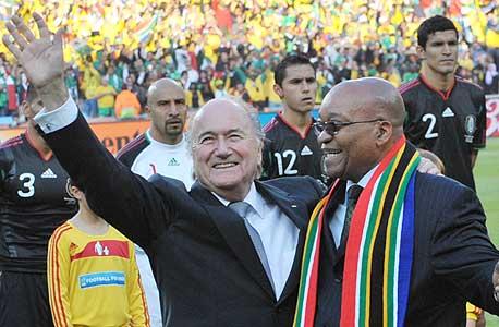 ספ בלאטר וג'ייקוב זומה, נשיא דרום אפריקה. העיקר שלאחיין יש עבודה
