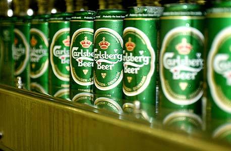 הלקוחות מעדיפים לאסוף מהמדף ולשתות בבית, צילום: בלומברג