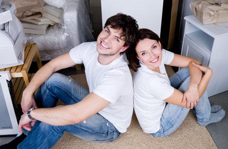 מוציאים יותר מדי על דירה ולא מדברים על כסף, הטעויות של נשואים טריים