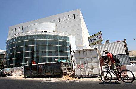 """תיאטרון הבימה המשתפץ. מהנדס הבנייה יובל אכברט: """"גם אם תהיה רעידת אדמה וכל הבניינים מסביב יקרסו, בניין הבימה יעמוד על תלו"""""""