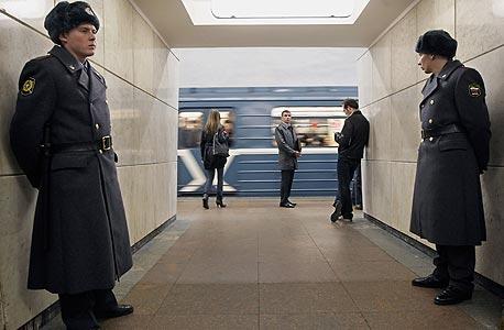 מוסקבה: 10.5 מיליון תושבים, 12 קווי מטרו, 182 תחנות, 300 קילומטר, 8 מיליון נוסעים ביום, שנת הקמה - 1935